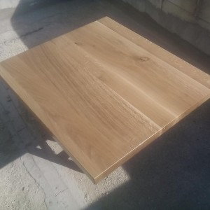 blatul din lemn masiv de stejar a fost grunduit