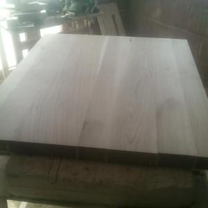 necesita multa rabdare pentru a indrepta blatul din lemn masiv de stejar cu lamela continua