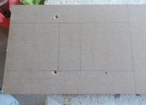 litera decorativa H desenata pe o placa de MDF de 18 mm grosime