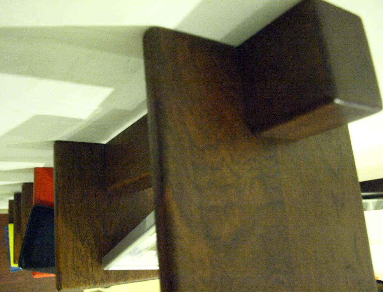 pentru acest poriect diy de raft cu polite din stejar masiv am folosit o rigla triplustratificata si 6 panouri de 20 cm latime si 20 cm lungime