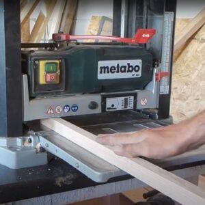 acest model de manere pentru usi, din lemn, vor fi realizate din cate 3 bucati de bagheta de frasin de 2,4 cm grosimea