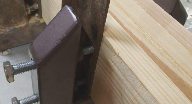 actiunea dubla a acestui tip de cleme pentru stratificarea lemnului