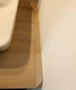 profilele de plinta decorativa din stejar pentru blatul de baie