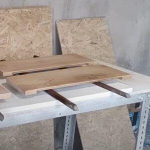 am folosit grund si lac pe baza de apa pentru cele patru fronturi de sertare din stejar
