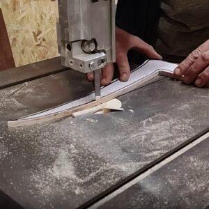 taierea primului sablon pentru frezarea pieselor componente necesare pentru construirea politelor de perete pentru carti