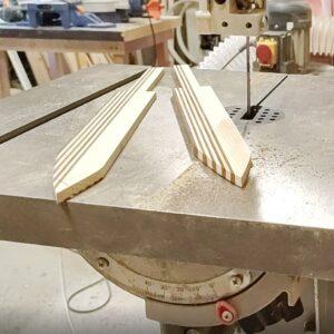 aceasta este forma celor doua cutite din lemn de frasin stratificat